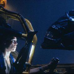 Sigourney Weaver in Aliens (El regreso) (1986) - Click to expand