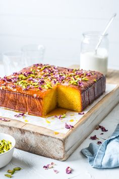 Orange, Almond, and Rose Water Cake. Orange almond cake topped with orange rose water syrup. Garnished with pistachios and rose petals. No Bake Desserts, Just Desserts, Dessert Recipes, Baking Desserts, Healthy Desserts, Dinner Recipes, Orange And Almond Cake, Orange Syrup Cake, Orange Cakes