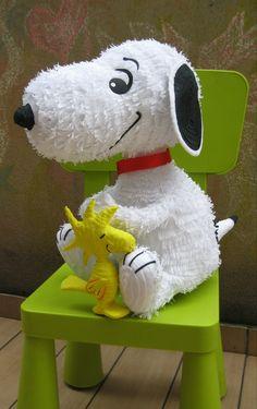 Snoopy Pinata