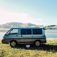 """60 mentions J'aime, 2 commentaires – The Campfire Lab (@thecampfirelab) sur Instagram : «""""Where you stand depends on where you sit."""" -Nelson Mandela   🚐 Mitsubishi L300 Sportpac, Dunedin,…»"""