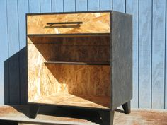 One Drawer Bedside Table Black Stained Osb custom made by Modular Osb … Plywood Furniture, Diy Furniture, Modern Furniture, Furniture Design, Osb Wood, Diy Nightstand, Nightstands, Small Wood Projects, Modern Side Table