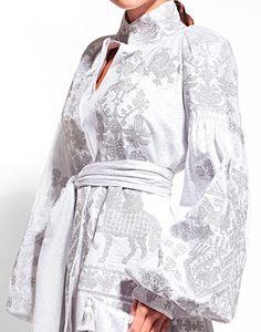 Ukrainian designer Yuliya Magdych combines ukrainian traditions and modernity. Folk Fashion, Unique Fashion, Hijab Fashion, Fashion Outfits, Womens Fashion, Fashion Design, Fashion Trends, Ethno Style, Bohemian Blouses