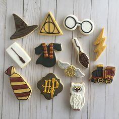 Harry Potter Desserts, Harry Potter Fiesta, Gateau Harry Potter, Cumpleaños Harry Potter, Harry Potter Birthday Cake, Halloween Sugar Cookies, Harry Potter Baby Shower, Gateaux Cake, Cookie Decorating
