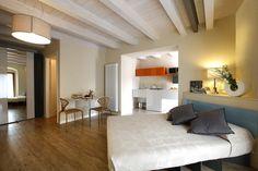 Nel cuore di Bardolino , al Residence Corte San Luca, abbiamo progettato e realizzato degli appartamenti con gli arredi del nostro negozio.