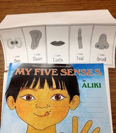 Five Senses Flip book free download. Write/ draw 3 things they can see, hear, taste, feel and touch.