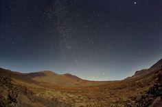 http://www.webtenerife.co.uk/what-to-do/nature/stargazing/  Observación de estrellas Parque Nacional del Teide, Tenerife, Islas Canarias / Stargazing at Mount Teide National Park, Tenerife, Canary Islands / Sterne beobachten im Teide-Nationalpark, Teneriffa, Kanarische Inseln