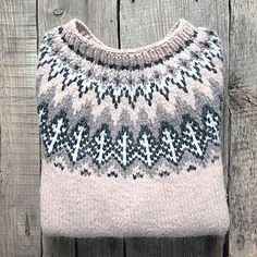 The Valemon sweater with Nordic pine trees is named after the white bear king Valemon - the most favorite Norwegian fairytale from our childhood. Fair Isle Knitting, Hand Knitting, Knitting Sweaters, Girls Sweaters, Sweaters For Women, Knitting Patterns Free, Crochet Patterns, Motif Fair Isle, Icelandic Sweaters