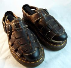 DOCTOR Doc Dr. MARTEN'S ~ Brown Leather Lug Sole Fisherman Sandals ~ Size 6 M #DrMartens #Fisherman
