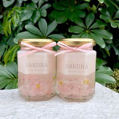 【pono_yumiko】さんのInstagramをピンしています。 《〜SAKURA series 第2弾は ソイとジェルのキャンドル . . こちらも先ほどのと同じで、 #桜 のドライフラワーが入ってます。 . . もちろんこちらも桜の香りつき . . 私はやっぱり外で写真撮るのが好きなので、 #sakuraシリーズのキャンドル達 持って写真撮りにお散歩してきました。 . . 〈キラキラ〉なジェルキャンドルも 〈ふんわり〉なソイ&ジェルキャンドルも . . どっちもめっちゃかわいーー♡ . . . #minne #creema にすでに出品してるので、 宜しければminne、creemaのサイトで 「pono キャンドル」と検索してみてくださいね . . Instagramからでもorderして頂けます! . #candle #instacandle #aroma #relax #candleyoga #pono #handmade #キャンドル #アロマ #アロマキャンドル #リラックスグッズ #キャンドルヨガ #ハンドメイド #minne #creema #雑貨…