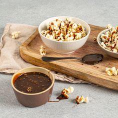 Découvrez la recette du Butterscotch (caramel écossais) à réaliser avec le Cooking Chef expérience équipé du fouet ballon et du mélangeur. Très similaire au caramel, la différence étant que le caramel traditionnel se fait avec du sucre blanc et le butterscotch avec du sucre roux. Utilisez-le pour garnir des sablés au caramel et au chocolat ou simplement pour agrémenter une glace. #kenwood #kenwoodfrance #cookingchefexperience #cookingchef #fouetballon #dessert #caramel #butterscotch…