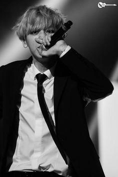 #chanyeol  #pcy #parkchanyel #exochanyeol #exo #チャニョル #灿烈 #朴灿烈 #찬열 #박찬열 #kpopstar #Koreanstar #Kpop #kpopidol #mono  #monochrom#blacksuit #exolution