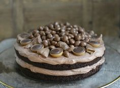 Black Magic Cake - en fantastisk god sjokoladekake - Francisco& Beautiful World, Magic Chocolate Cake, Chocolate Desserts, Baking Recipes, Cake Recipes, Dessert Recipes, Cake Cookies, Cupcake Cakes, Black Magic Cake, Norwegian Food