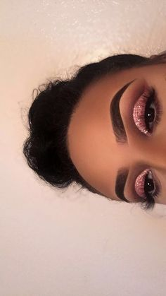 "Pink glitter eye makeup History of eye makeup ""Eye care"", quite simply, ""eye make-up"" has Makeup Eye Looks, Cute Makeup, Glam Makeup, Gorgeous Makeup, Pretty Makeup, Beauty Makeup, Pink Eye Makeup, Rose Gold Makeup, Makeup Geek"