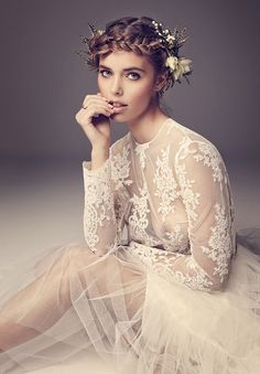 Natural flawless bridal makeup by Liv Lundelius www.livlundelius.com for HELLO MAY Magazine