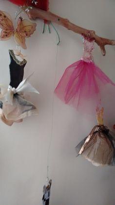 Paper Dresses, Home Decor, Decoration Home, Room Decor, Home Interior Design, Home Decoration, Interior Design