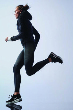 Tack on one more mile today. The Nike Zonal Strength Running Tights target your quads, hamstrings and calves – key muscles activated while running, which allow for more mobility in the hips and knees.