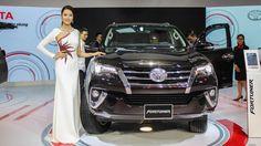 Toyota Fortuner 2017 thế hệ mới với những thay đổi trong thiết kế, trang bị sẽ giúp xe cũng cố vững chắc vị trí xe bán chạy nhất phân khúc SUV 7 chỗ tại Việt Nam