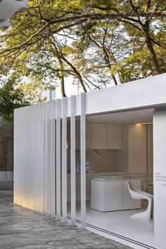 Peek Inside This Minimal 194 Square-Foot Shipping Container House: gallery image 4 Container Home Designs, Container Homes, Beautiful Architecture, Contemporary Architecture, Architecture Design, Minimal House Design, Minimal Home, Container Architecture, Sustainable Architecture