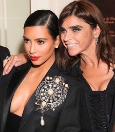 Happy Birthday to the woman with the best style and an even bigger heart @carineroitfeld Truly the sweetest person I know! 🎂🎉🎈