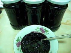 Dulceata de afine - imagine 1 mare Pantry, Pudding, Desserts, Food, Canning, Pantry Room, Tailgate Desserts, Butler Pantry, Deserts