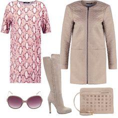 Abito sui toni del rosa avvolto dal morbido cappotto beige, dagli stivali scamosciati dal gambale alto e dalla pochette intagliata. Gli occhiali da sole con lenti e montatura riprendono il colore del vestito e al contempo degli accessori.