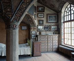 old style apartment - wow! i love this!