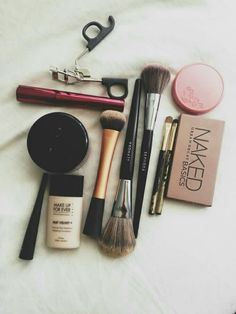 Everyday Makeup Basics Urban Decay, Makeup Forever, & Real images ideas from Beautiful Makeup Photos Basic Makeup, Love Makeup, Makeup Inspo, Makeup Inspiration, Gorgeous Makeup, Makeup Geek, Makeup Addict, Makeup Goals, Makeup Tips