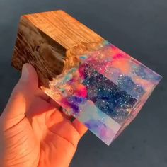 what is that? 🧐 – Resin Art – New Epoxy Diy Resin Crafts, Fun Crafts, Diy And Crafts, Arts And Crafts, Stick Crafts, Diy Fleur, Fleurs Diy, Resin Art, Resin Jewelry