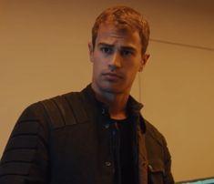Tobias eaton/ Thea James🤤 Divergent Theo James, Tobias, Boys, Baby Boys, Children, Senior Guys, Guys, Young Boys