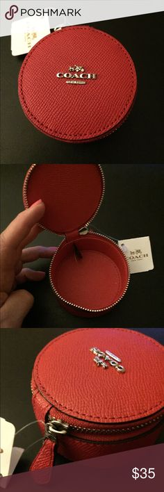 COACH ROUND TRINKET JEWELRY BOX Perfect for rings, bracelets. Zip closure. Cross grain leather. Coach Accessories