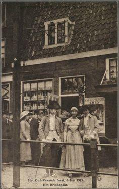 Zaandam Oud Zaanse Klederdrachten Het oud Zaansch feest 6 mei 1913 Het Bruidspaar. Uitg. De Moderne Boekhandel, Amsterdam 1913. Zaans Archief. #NoordHolland #Zaanstreek