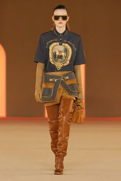 Balmain Official website and online boutique. Shop women and men's clothing, accessories, footwear, eyewear. Balmain, Camel Boots, Girl Fashion, Fashion Show, Girl Running, Model Photos, Over The Knee Boots, Asian Girl, Ready To Wear