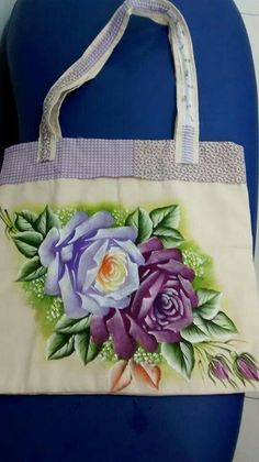Painted Bags, Hand Painted, Hand Embroidery Design Patterns, One Stroke Painting, Fabric Bags, Paint Designs, Fabric Painting, Flower Prints, Quilts