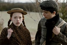 Anne and Gilbert sitting in a tree Anne Shirley, Series Movies, Tv Series, Netflix Series, Amybeth Mcnulty, Gilbert And Anne, Anne White, Gilbert Blythe, Anne With An E