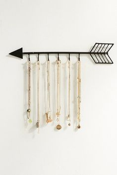 Urban Outfitters Arrow Necklace Organizer