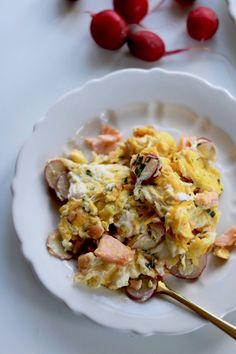 Paleo Frühstück - Rührei mit Radieschen und Räucherlachs Macaroni And Cheese, Ethnic Recipes, Food, Paleo Breakfast, Dairy, Paleo Recipes, Grains, Eggs, Mac And Cheese