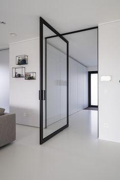 porte vitr e steel look moderne sur pivot d sax anyway doors portes interieures. Black Bedroom Furniture Sets. Home Design Ideas