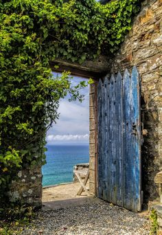 Oh Greece, my heart desires you! The Druidstone pub, Haverfordwest, Pembrokeshire, Wales (via / The Sea Door by Eamon Gallagher) Old Doors, Windows And Doors, Beautiful World, Beautiful Places, Beautiful Beach, Amazing Places, Amazing Art, Closed Doors, Garden Gates