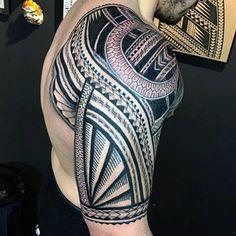 Tribal Tattoos Detailed - Damn that's overkill but art