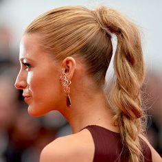 Blake Lively ponytail swirl