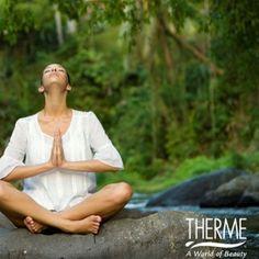 Równowaga między ciałem a duchem:  4 kroki, aby rozpocząć medytację  Obecnie wszyscy jesteśmy bardzo zajęci, nie tylko pracą i codziennymi zadaniami, ale także rodziną i życiem towarzyskim. Presja jest normą dzisiejszego społeczeństwa. Martwisz się o rzeczy, które musisz jeszcze zrobić? Czy Twój harmonogram działa płynnie? Jesteś tak zajęty, że prawie nigdy nie masz czasu dla siebie? Czy jesteś zadowolony z równowagi między wysiłkiem, a relaksem?  THERME z przyjemnością przedstawia Ci krok po kr World, Beauty, The World, Beauty Illustration