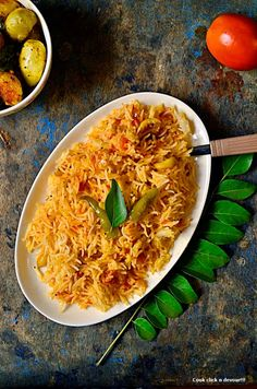 Tomato rice recipe | how to make tomato rice. Tomato rice-A quick variety rice from south India,recipe @ http://www.cookclickndevour.com/2014/07/tomato-rice-recipe-how-to-make-tomato.html