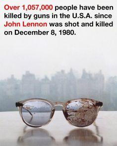Lo scorso 20 marzo ricorreva il 44esimo anniversario del matrimonio tra John Lennon e Yoko Ono, convolati a nozze nel 1969. In questa occasione, la Ono ha pubblicato su Twitter un'immagine molto forte - gli occhiali insanguinati del marito - per sensibilizzare contro l'eccessiva presenza di armi da fuoco negli Stati Uniti.