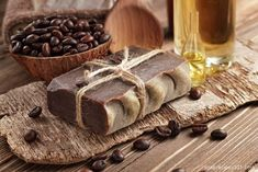 DIY Mocha Soap Recipe (CP) This cold process recipe makes a thick, creamy and super rich bar, with a subtle smell of coffee and chocolate. Diy Savon, Savon Soap, Soap Making Recipes, Homemade Soap Recipes, Coffee Soap, Mocha Coffee, Coffee Mugs, Bath Soap, Handmade Soaps