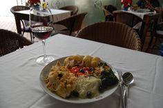 Bacalhau à Quinta de Santa Maria/Codfish Quinta de Santa Maria by Um Prato Português / A Portuguese Dish, via Flickr