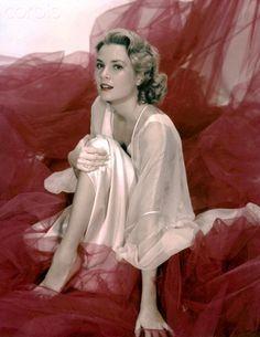 American actress Grace Kelly