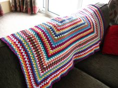 Giant Granny Square Blanket Pattern | Bunny Mummy: How to crochet a Granny Square