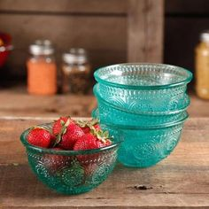 The Pioneer Woman Adeline 4-Piece 13 oz Emboss Turquoise Glass Bowl