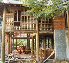 Casa de pau a pique Bamboo Building, Natural Building, Bamboo Architecture, Sustainable Architecture, Bamboo House Design, Hut House, Eco Buildings, Bamboo Construction, Tadelakt
