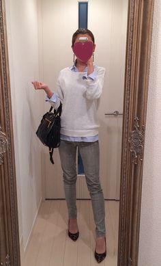 Blue shirt, jeans pants, white knit, black bag and leopard shoes - http://ameblo.jp/nyprtkifml